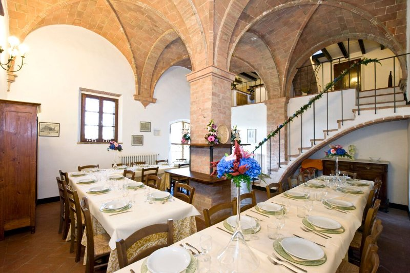 Beautiful Italian Villa near Volterra for Large Group - Villa Volterra, holiday rental in Volterra