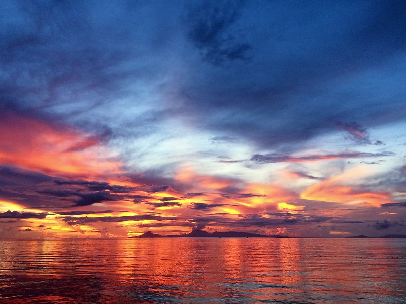 Sunset in Huahine