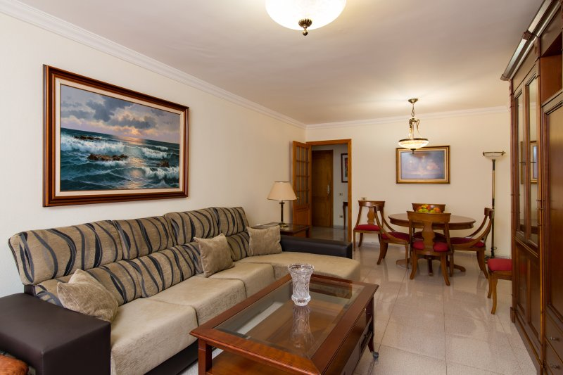 Luxurious duplex with parking in Las Canteras' beach, holiday rental in Tamaraceite