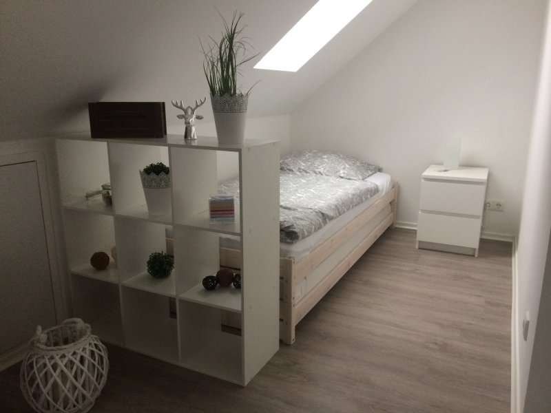 2nd bedroom (single bed) open to living room