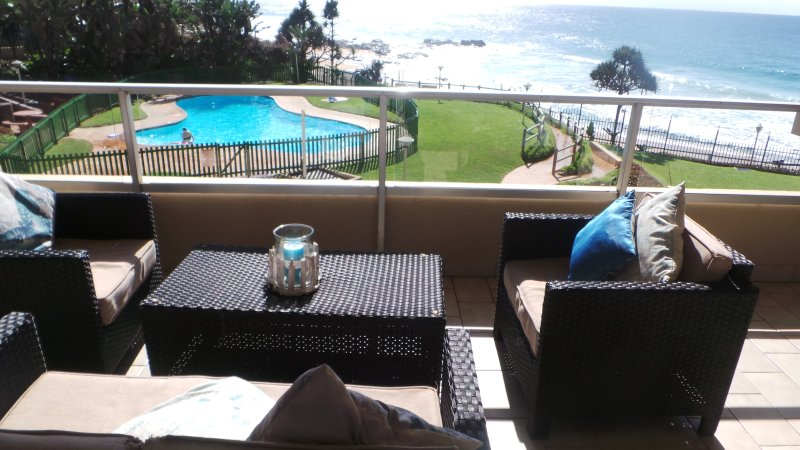 magnífica vista do pátio, que está na praia