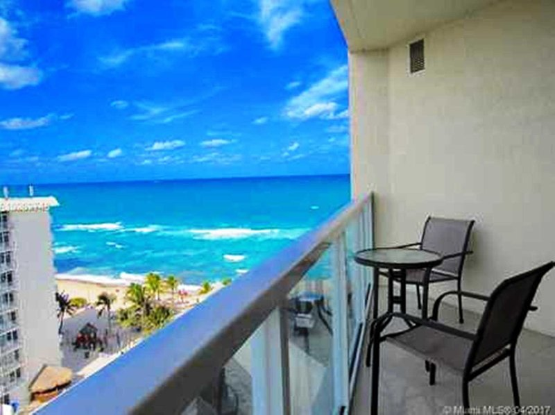 La Perla Luxury Condo on the beach. STR-00067, vacation rental in Sunny Isles Beach