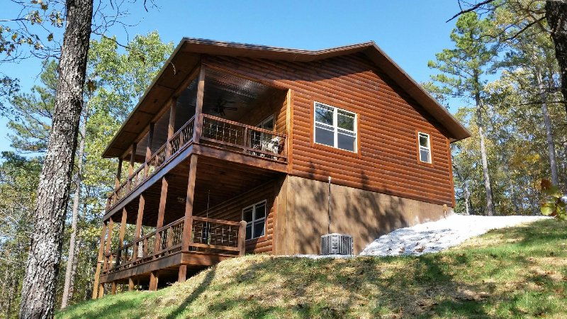 Brand new cabin overlooking the Buffalo National River Park (Upper Level Only)