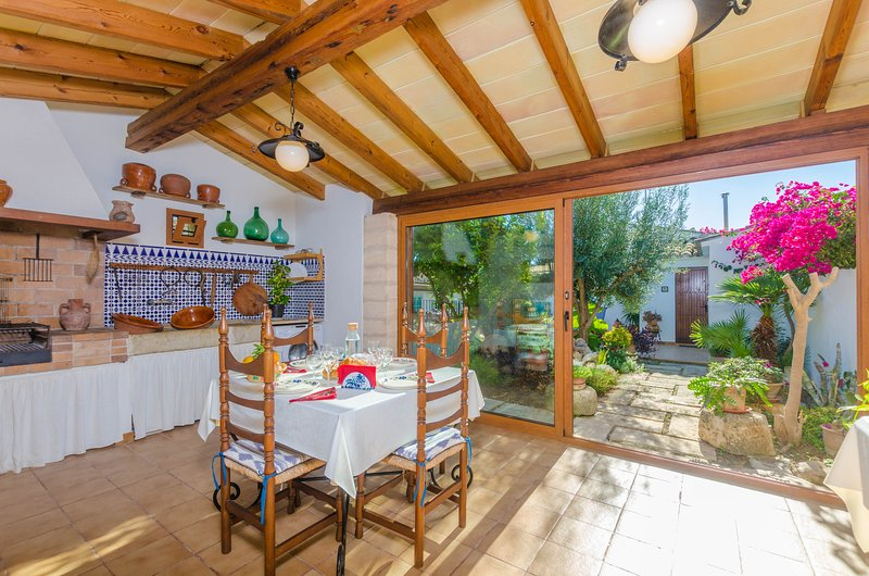 ES PUJOLS - Villa for 6 people in Campanet – semesterbostad i Campanet