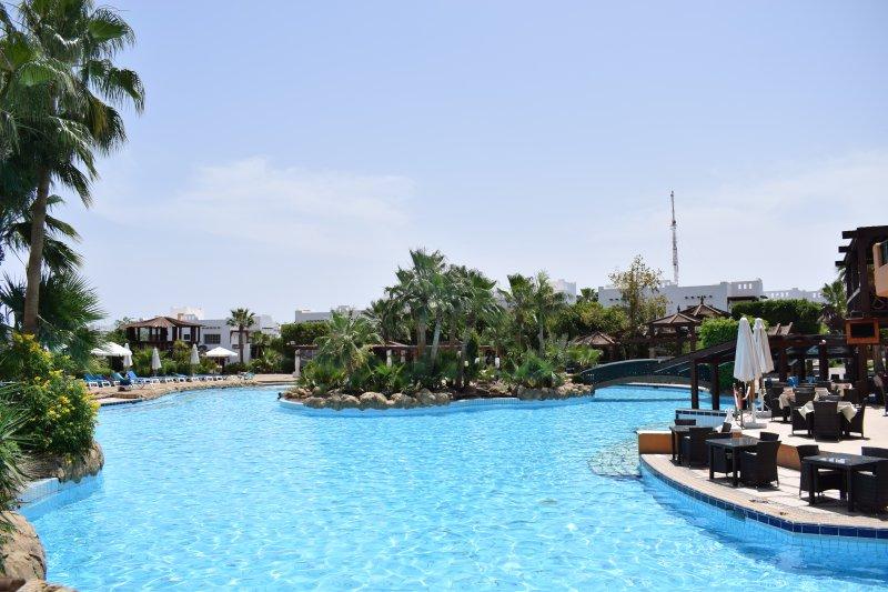 Delta Sharm 2 bedroom near swimmingpool, holiday rental in Sharm El Sheikh