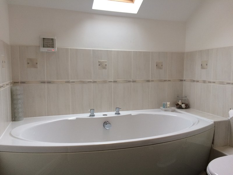 Double ended bath in Master Ensuite