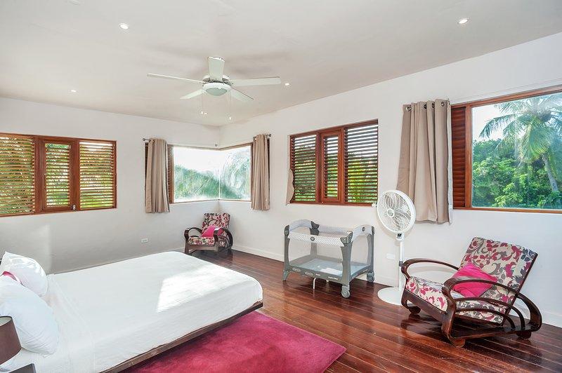 Dormitorio principal-cuna disponible