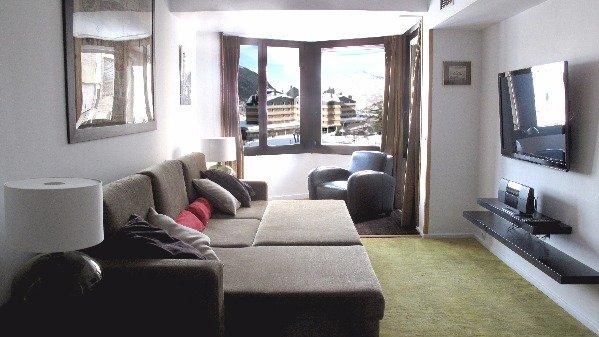 Apartamento Baqueira 1500 pie de pistas- Salón