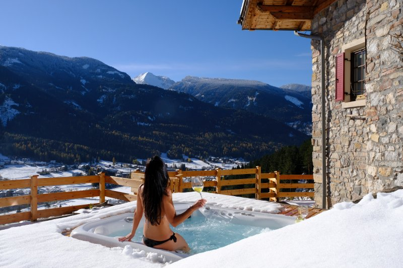 Even in winter, the outdoor whirlpool magic 35 °