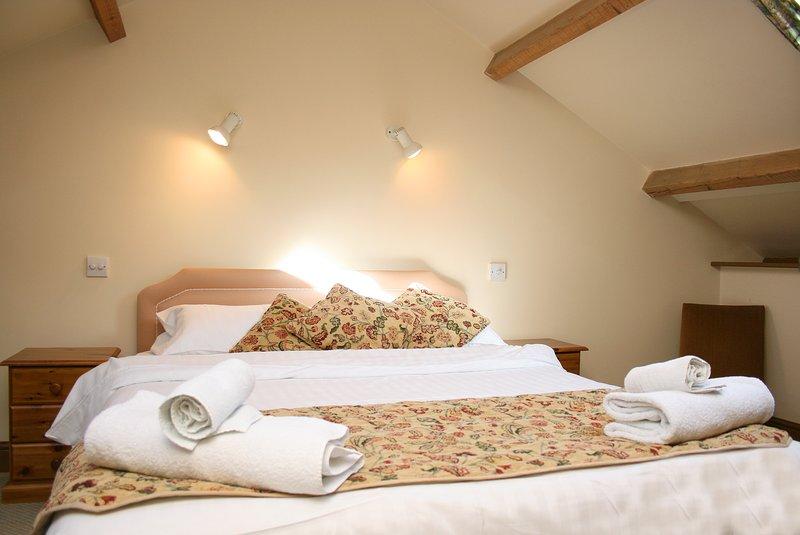 A l'étage chambre double inc lit double et simple