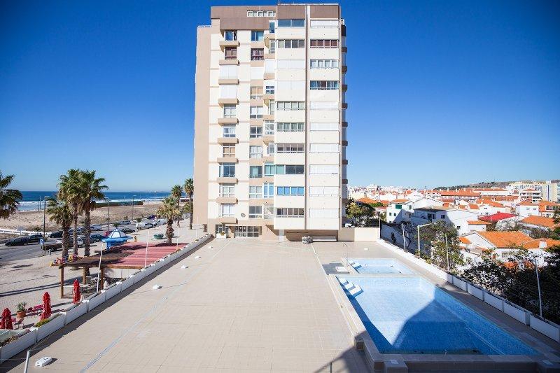 Saidy Apartment, Caparica, Lisbon, alquiler vacacional en Costa da Caparica
