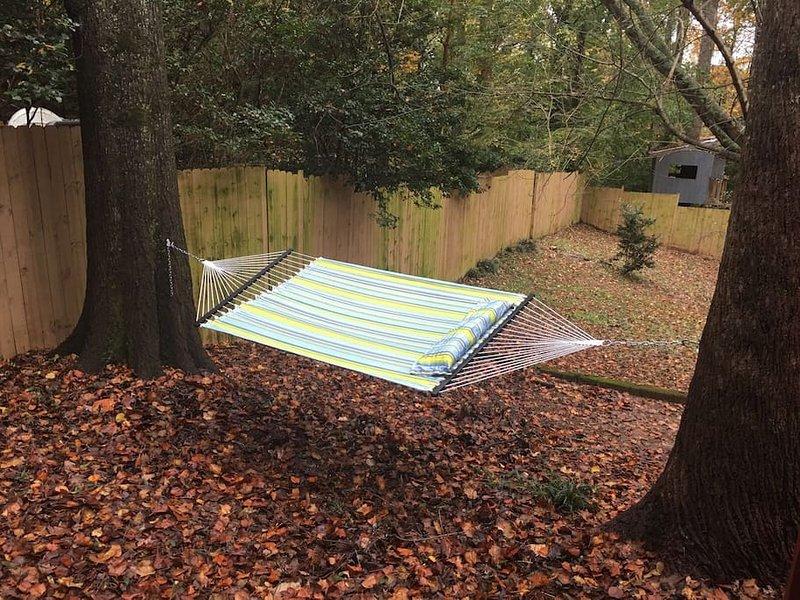Bekväma hängmatta i trädgården