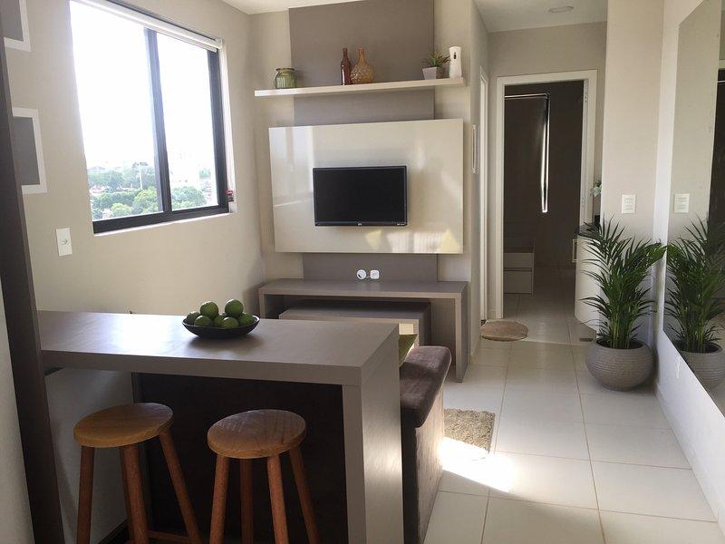 New Apartment - parking, close to PUC, UFPR, centro, casa vacanza a Curitiba