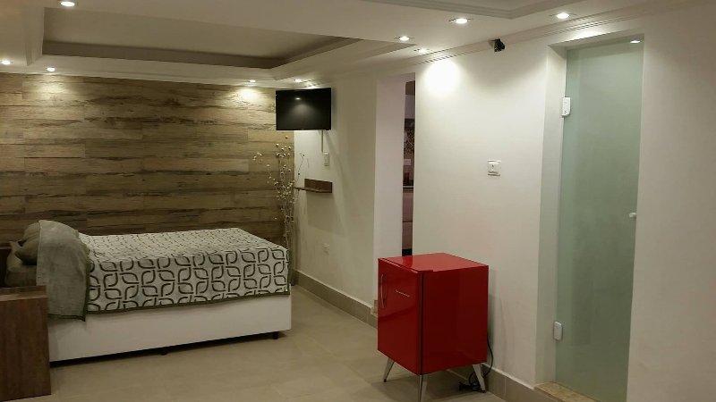 Open Plan Loft Metrô Belém (first floor), location de vacances à Aruja