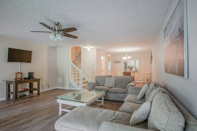 Charming 2 BDR 2BA Condo in Conyers, location de vacances à Conyers