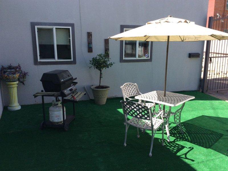 Charming Two Bedroom Apartment, holiday rental in Santa Teresa