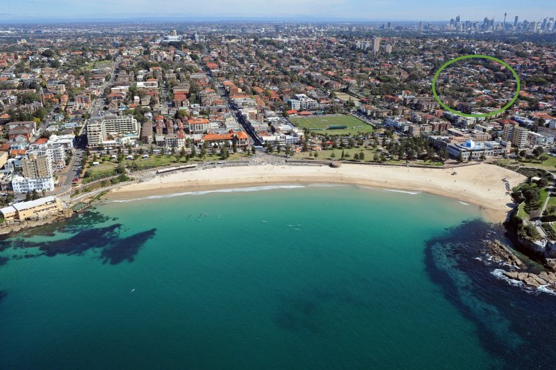 Self contained home 8minute walk to Coogee's main street, with all its cafes, restaurants & bars