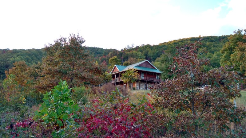 Smoky Mountain Hideaway, holiday rental in Maryville