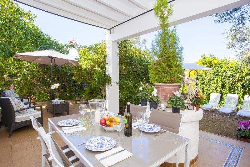 TRES PINS - Chalet for 6 people in Colonia de Sant Pere, holiday rental in Colonia de Sant Pere