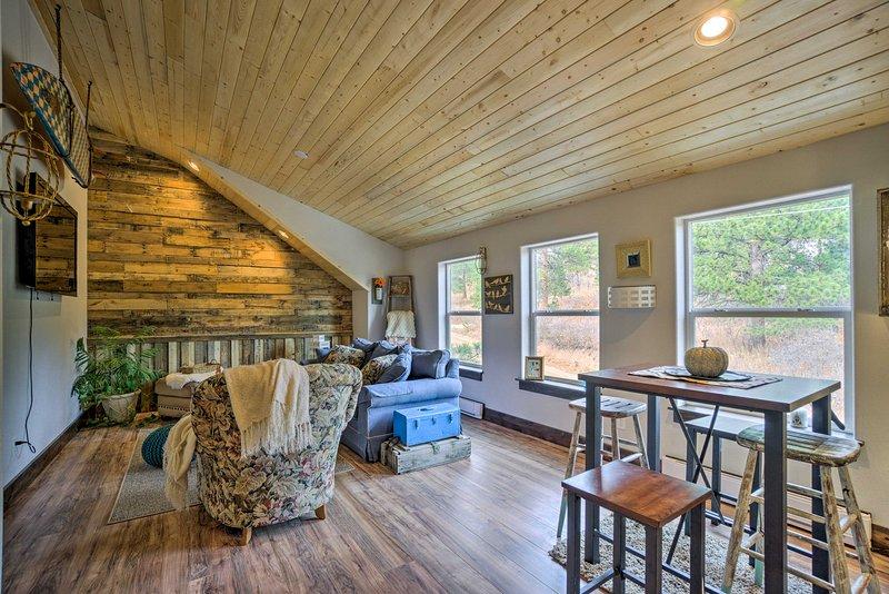 ¡Prepara tus maletas y dirígete a este apartamento de vacaciones en Palmer Lake!