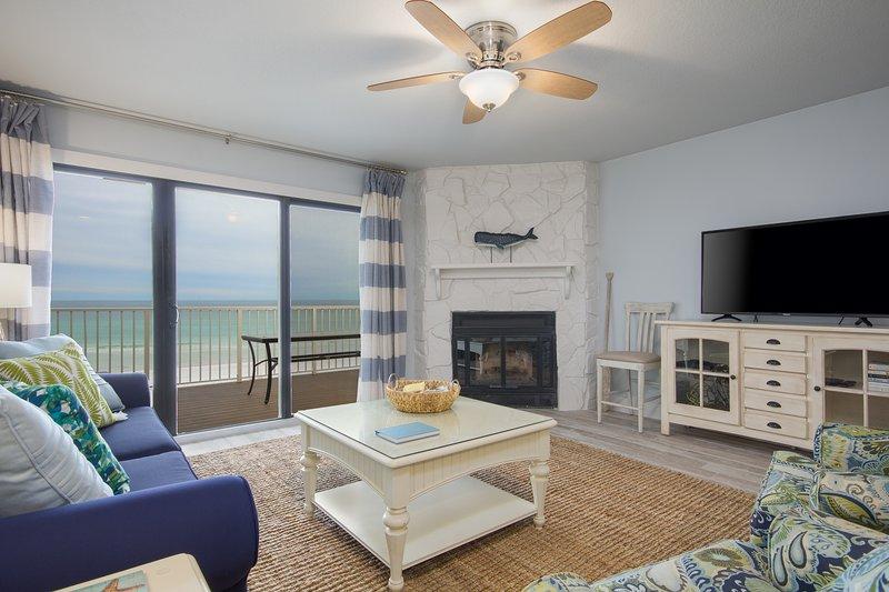 Questa casa sulla spiaggia offre 12 fortunati ospiti tutto ciò di cui hanno bisogno.