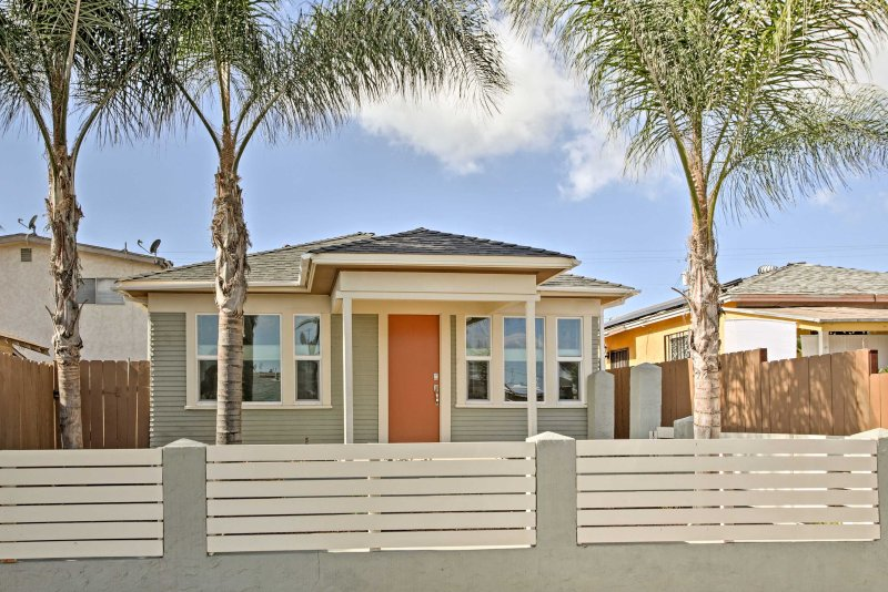 Explore San Diego from 'Urban Serenity,' a charming, centrally located house!