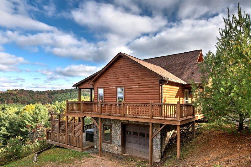 Escape to the mountainside of North Carolina when you book this vacation rental cabin in Fleetwood!