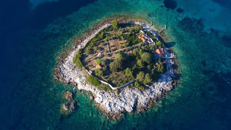 Robinson House at Gubesa Island, vacation rental in Vela Luka