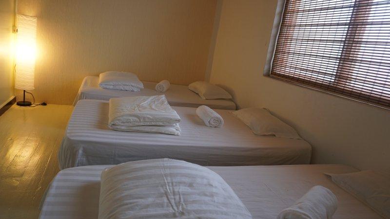 Heritage Sixteen (5th Family room 3 Twin w/ Shared BR ), vacation rental in Seberang Jaya