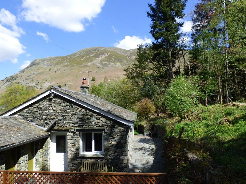 The How Cottage in Patterdale, holiday rental in Dockray
