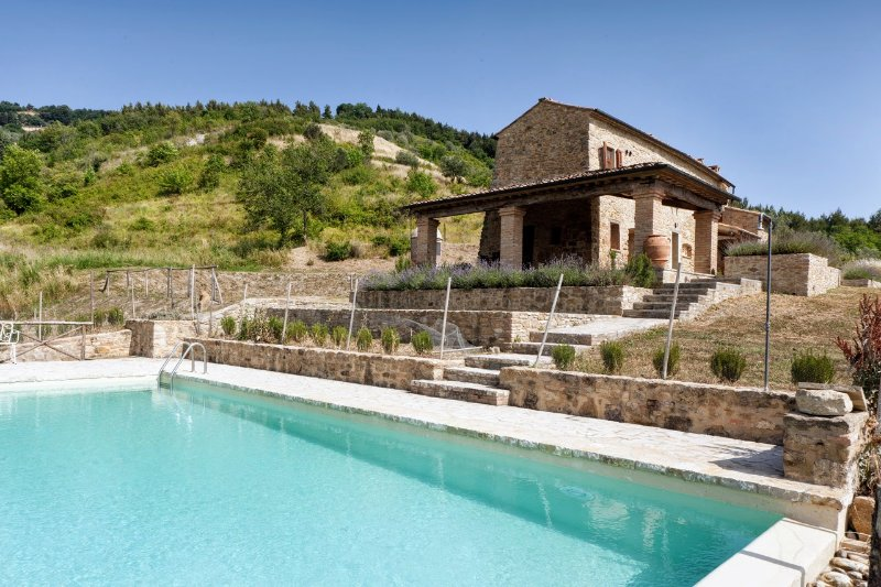 Casa al Vento Holiday Home Sleeps 4 with Pool Air Con and WiFi - 5226718, holiday rental in Volterra