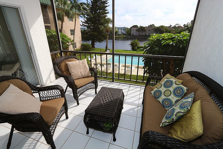 Fantastic screened in patio with a gorgeous view