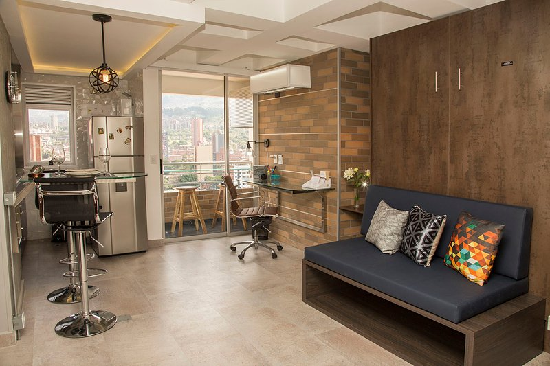 ✯Downtown Loft w/ Balcony ✯ Great Price ❁ – semesterbostad i Antioquia Department