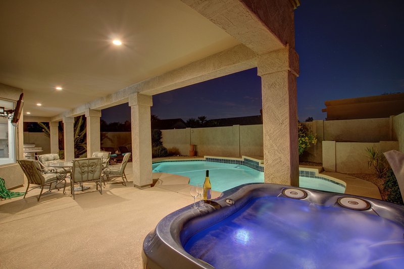 Hot Tub and Full Length Covered Patio / Outdoor 55' TV