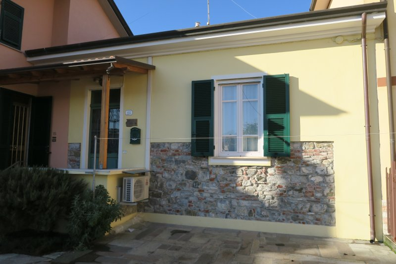 La casa nell'aia, holiday rental in Sarzana