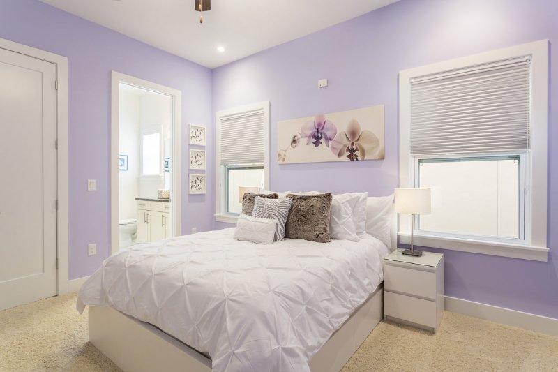 Master Bedroom 4 With Queen Bed