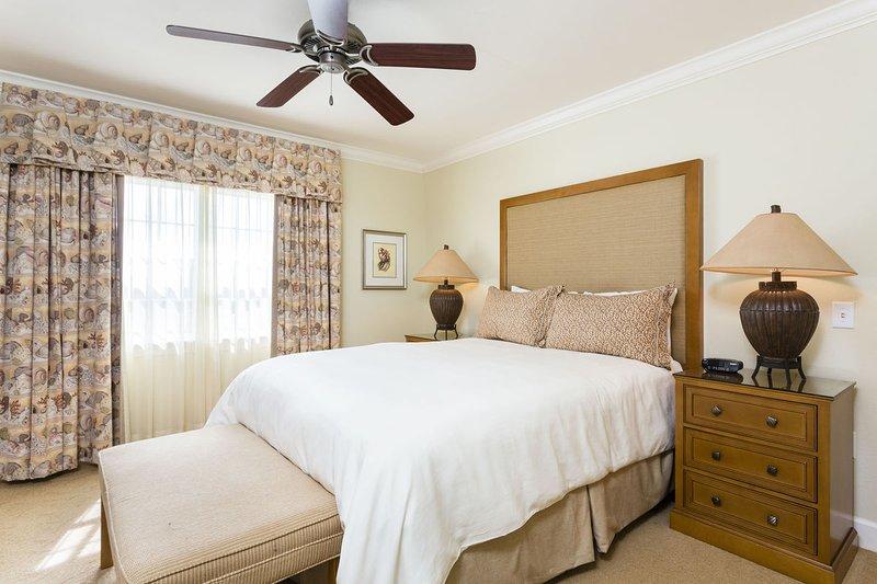 Second Bedroom has queen size bed