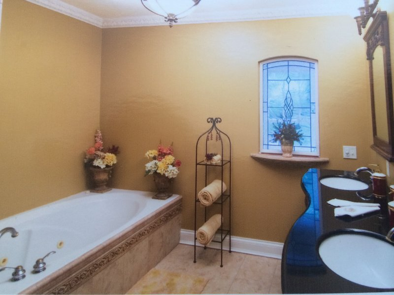 'The Cascade' Ground Level Suite, holiday rental in Liberty Township