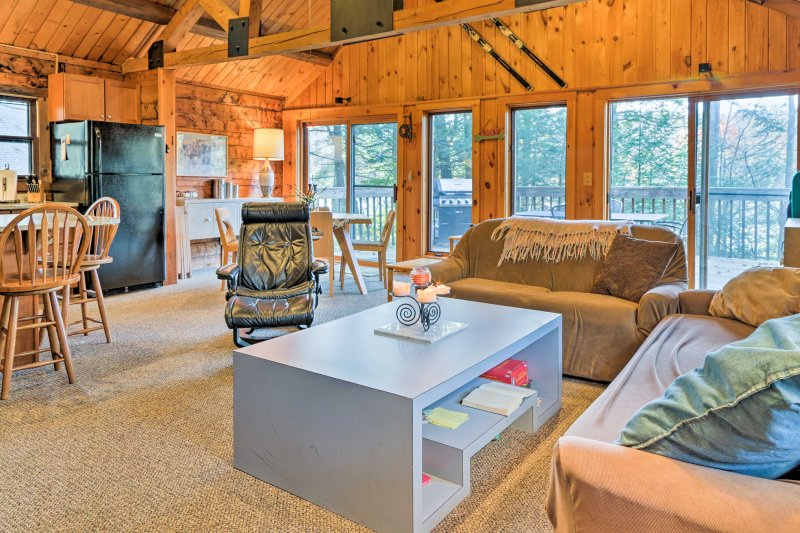 Large windows allow sunshine to flood the space.
