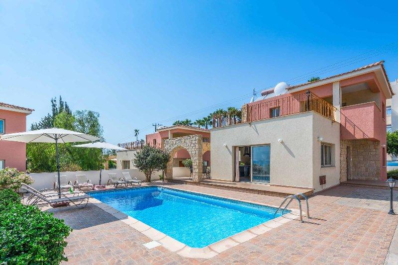 Med View Villa, holiday rental in Kissonerga