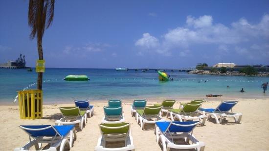 playa Margaritaville Ocho Ríos y restaurante, a 15 minutos en coche de LouJan Villa