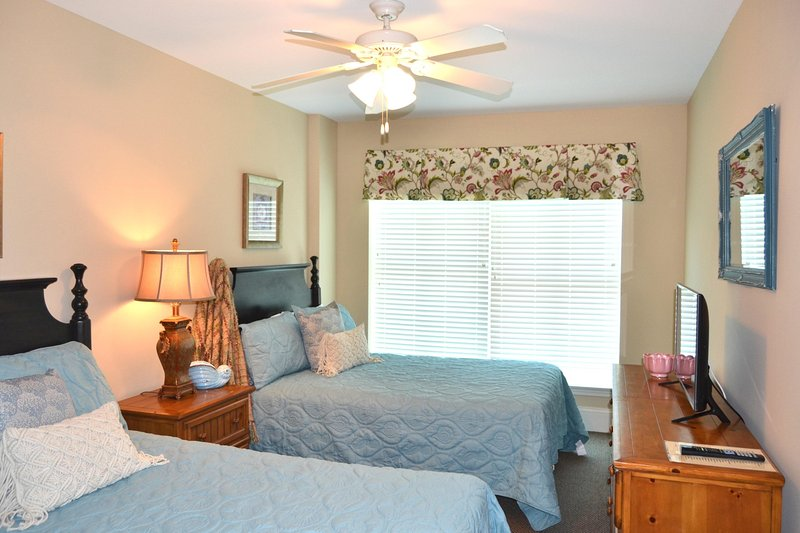 Guest bedroom, 2 full  beds, new coverlets, custom valance