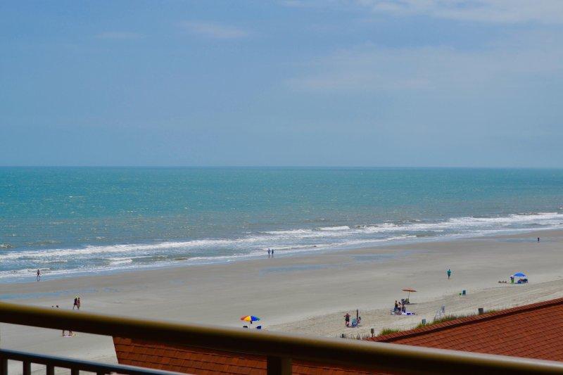 Belas vistas do oceano e por do sol!