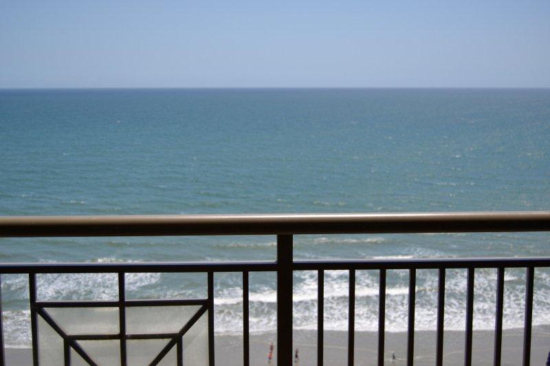 Mar Vista Grande - 3BR/3BA  Southern, Oceanfront Penthouse Corner,, holiday rental in Longs
