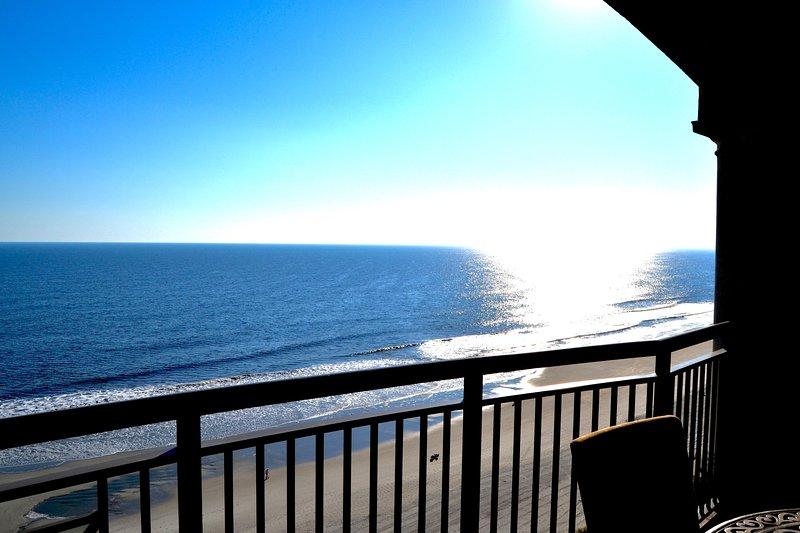 Stunning Mar Vista Grande, 3BR/3BA Oceanfront, Penthouse N Myrtle Beach, holiday rental in Longs