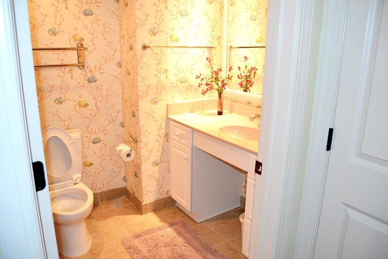 2 baño de visitas, gran bañera / ducha combinado