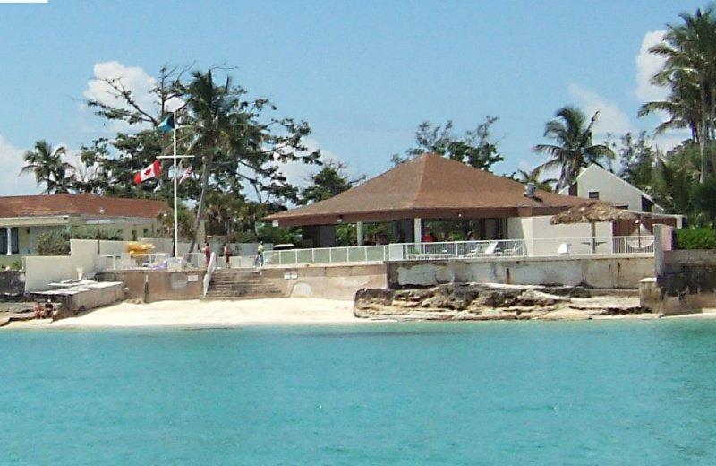 Westwind Club: 1-Bedroom with Loft, Sleeps 6, Full Kitchen, vacation rental in Nassau