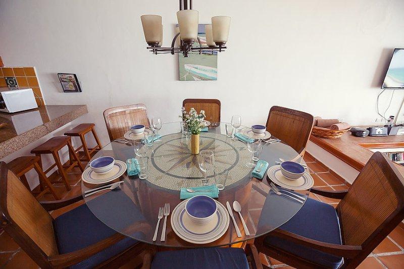 Non mi va di cucinare? Chef Miguel consegnerà la cena a destra al vostro tavolo!
