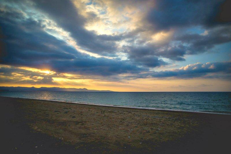 Argaka Beach Villa - First line to the beach - Sea Views - Private Pool - Wifi, holiday rental in Argaka