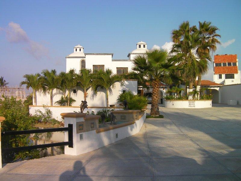 Secret Beach Villas si trovano in una gated w / guardia comunità residenziale di soli 18 altre ville.